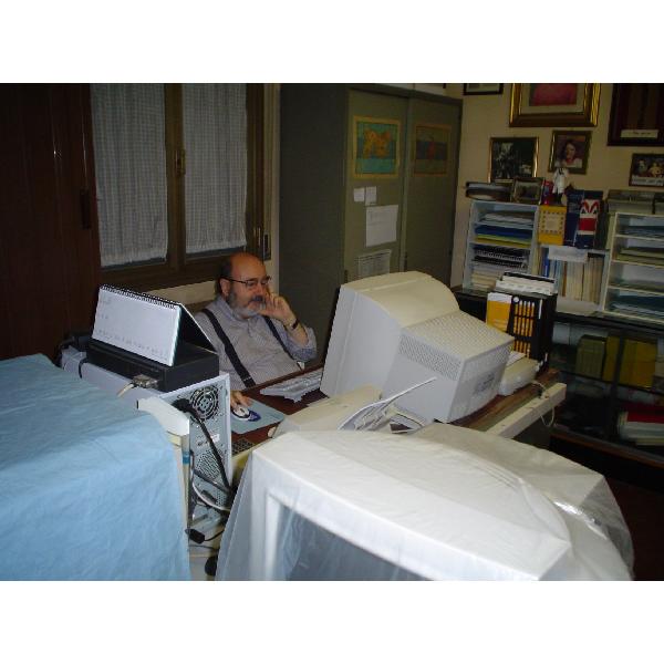 Il Dr. Luciano Gualano presso lo studio di Via Marianini a Modena